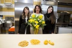 Una mimosa per l'8 marzo di Confartigianato