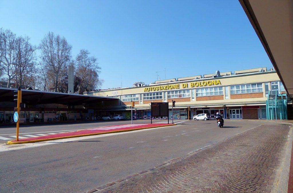 Screening Coronavirus, all'autostazione di Bologna un punto per i tamponi