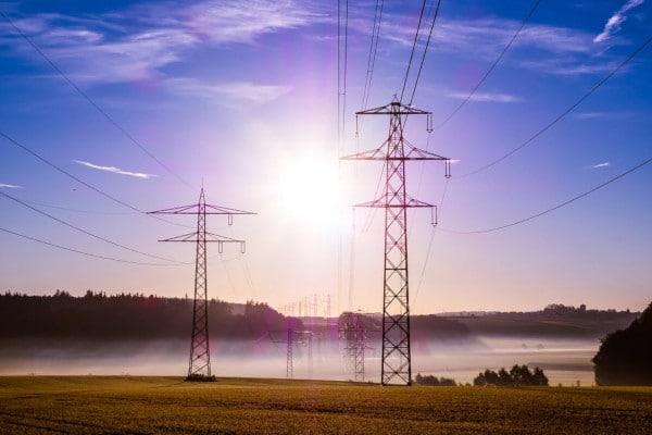 Energia elettrica, ecco cosa cambia per le piccole imprese dal 1º luglio